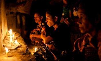 El secuestro de novias, o kawin tangkap, es una práctica controvertida en Sumba