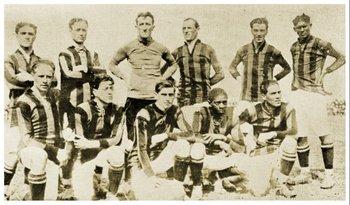 El equipo de Peñarol 1918 que fue campeón uruguayo y de la Copa de Honor Cusenier