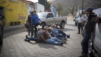 """La serie """"Somos."""" ofrece una perspectiva de la masacre ocurrida en octubre de 2011 en Allende, Coahuila"""