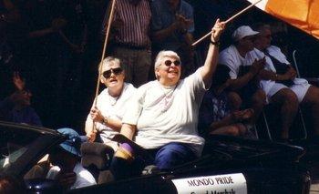 Grand Marshalls de Vancouver Pride en 1999: Bridget Coll y Chris Morrissey.