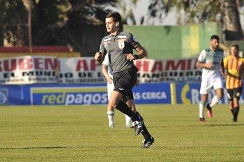Mathías De Armas, joven valor del arbitraje uruguayo