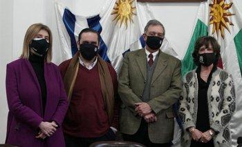 Fernanda Maldonado y Juan Ignacio Buffa acompañaron a Fernando Mattos en el acto de asunción de la nueva presidenta de la Federación Rural, Mónica SIlva.