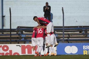 El festejo del gol de Wanderers
