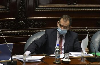 """""""Está totalmente fuera de lugar"""" que la oposición hable de """"muertes evitables"""", expresó Manini Ríos"""