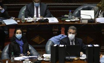 Los ministros Azucena Arbeleche y Daniel Salinas en la interpelación