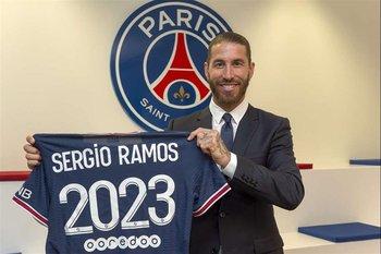 Sergio Ramos firmó por dos años con el PSG