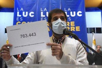 Fernando Pereira cuando anunciaba que se habían llegado a las firmas necesarias