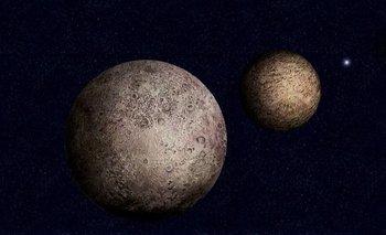 Plutón es considerado un planeta enano desde el año 2006