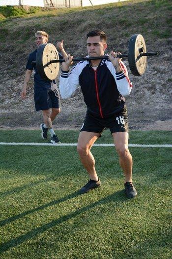 Maxi Gómez entrenando en Paysandú FC luego e la Copa América de Brasil 2021