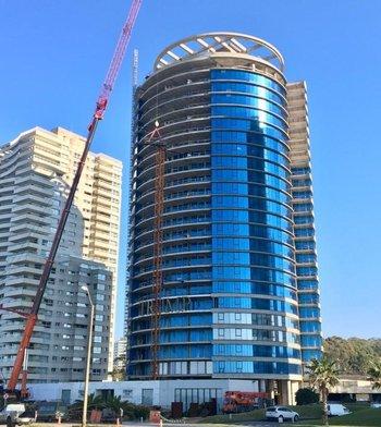 La construcción de la lujosa torre está parada desde finales de 2019.