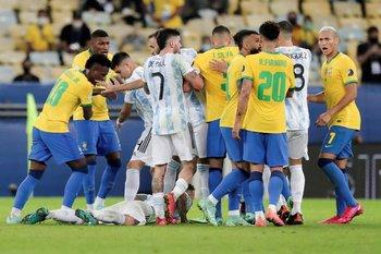 Brasil y Argentina juegan un partido muy esperado en las Eliminatorias