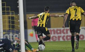 Kagelmacher celebra el segundo gol