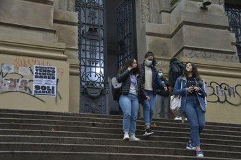 Estudiantes volverán a sus centros educativos por primera vez desde el 23 de marzo