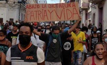 El pueblo cubano se manifiesta desde este domingo contra el gobierno de su país