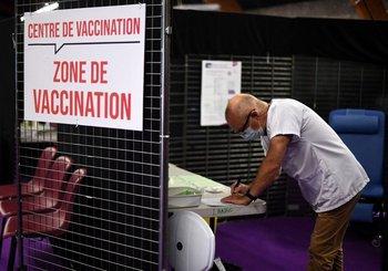 La Unión Europea ya tiene al 50% de su población vacunada