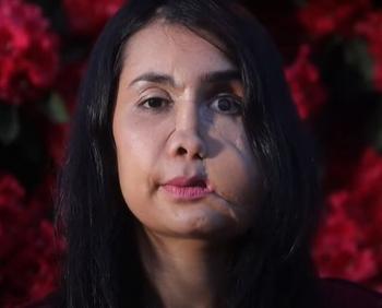 Con 17 años, fue obligada a casarse con un hombre mayor que ella