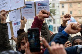Protestas de cubanos en plaza Independencia
