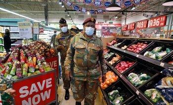 La policía sudafricana está investigando a 12 presuntos implicados en las protestas