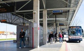 El 148 es una de las líneas que dejó de pasar por la Terminal Colón