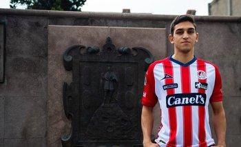Juan Manuel Sanabria ya posó con la camiseta de Atlético San Luis de México