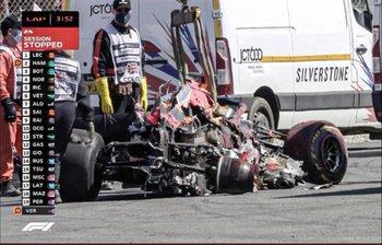 Así quedó el auto de Max Verstappen tras el choque en la salida de Lewis Hamilton