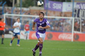 Williams Martínez con la violeta; un amor de casi toda una vida