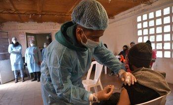 """La campaña de vacunación """"barrio a barrio"""" empezó este lunes en Montevideo y Canelones"""