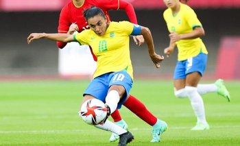 Con los dos goles que le anotó a China en el debut del combinado brasileño femenino este miércoles se convirtió en la primera futbolista (tanto en masculino como en femenino) que marca en cinco Juegos Olímpicos