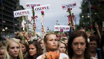 Hace 10 años los noruegos salieron masivamente a las calles tras los atentados.