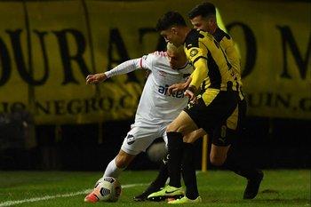 Brian Ocampo no pudo con Joaquín Piquerez