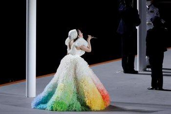La cantante japonesa Misia interpreta el himno nacional