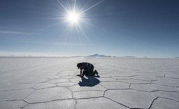 El Salar de Uyuni en Bolivia es un sitio peculiar para el turismo en la región
