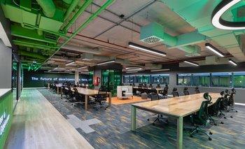 Algunas empresas optan por agrandar sus oficinas para garantizar mayores distancias entre sus trabajadores.