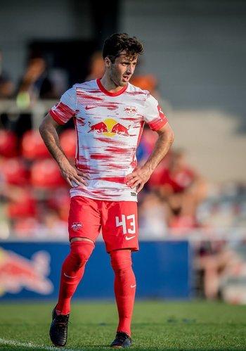 Marcelo Saracchi, jugador de Leipzig de la Bundesliga alemana, estará de seis a ocho meses alejado de las canchas