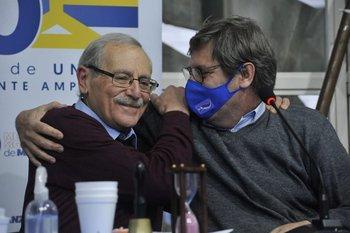 Ricardo Ehrlich y Javier Miranda durante el plenario de este sábado en la Huella de Seregni