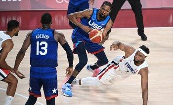 Kevin Durant solo anotó 10 puntos contra Francia