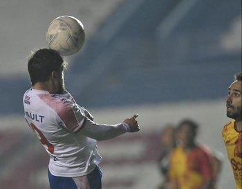 Alfonso Trezza entró para la media hora final del partido