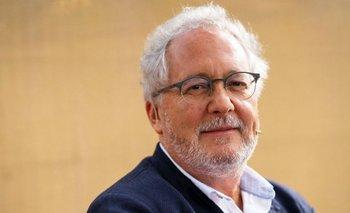 Héctor Abad ha escrito dos decenas de libros que incluyen no ficción, diarios, novela y poesía.