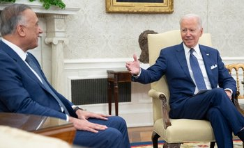 Biden y el primer ministro irakí, Mustafá al Kazemi
