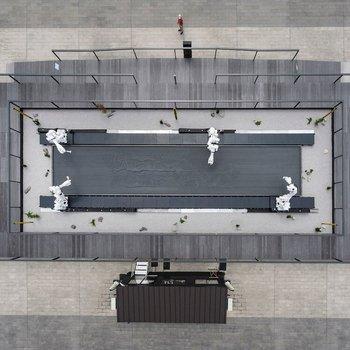 Foto que muestra a los robots desde un plano cenital.
