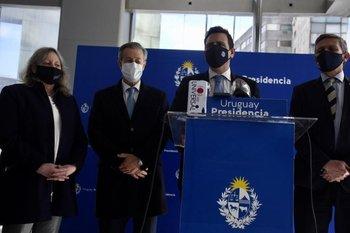 Ponce de León, Navarrine, Gurméndez y Emaldi en la conferencia de prensa
