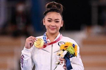 Sin Biles en competencia Sunisa Lee se llevó el oro para eeuu