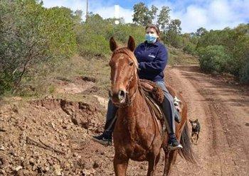 El caballo era de un vecino al que se lo pidieron para sacarse la foto