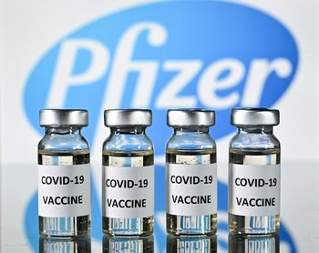 Vacuna de Pfizer tiene 86% de efectividad con tres dosis