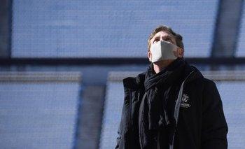 Domínguez observa las tribunas del Centenario