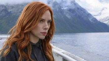 La película fue la primera salida en solitario del personaje de Black Widow de Johansson.