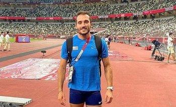 Emiliano Lasa en el Estadio Olímpico de Tokyo 2020 en la previa de su debut en salto largo