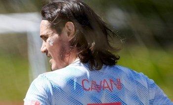 Edinson Cavani también fue modelo de la camiseta de visitante de Manchester United