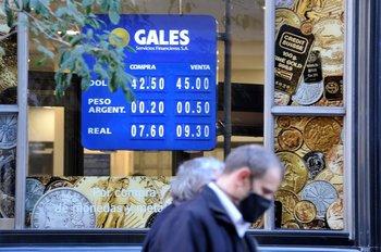 Este miércoles, el promedio interbancario se apreció 0,35% frente al peso uruguayo.