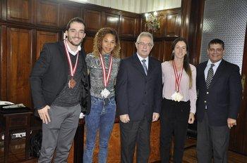 Lasa, Aires y Fernández junto al ministro Menéndez y al presidente de la CAU De Mello